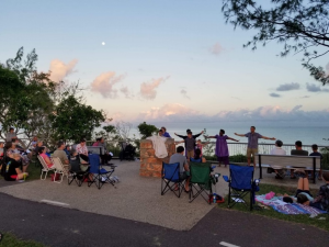 Easter Sunrise service at the Dripstone cliffs